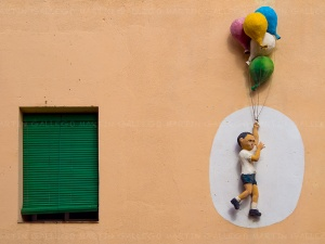 Niño-con-globos,-badalona